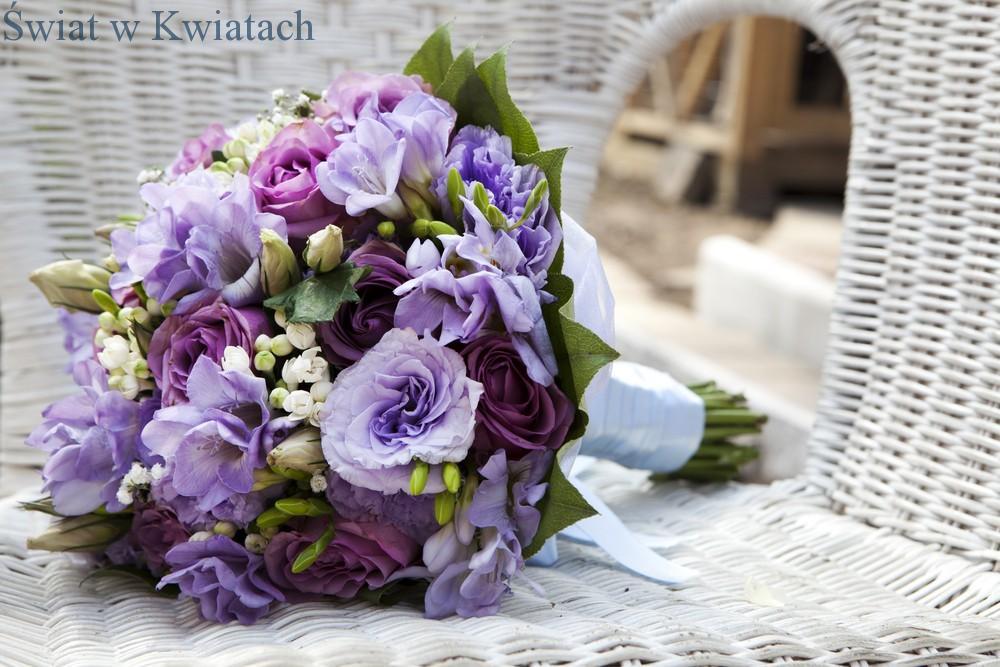 fioletowy bukiet kwiatowy
