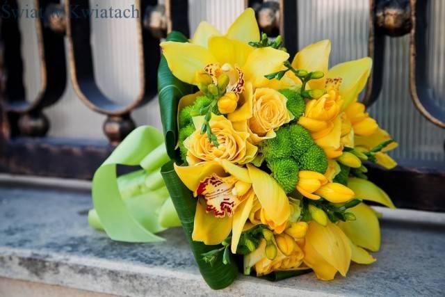 bukiet kwiatowy z róż, cymbidium i frezji