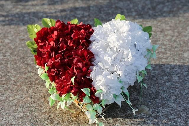 kwiaty na cmentarz sztuczne